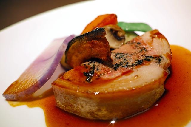 Foie gras à la vanille et au chocolat noir éclat de fève et sel marin