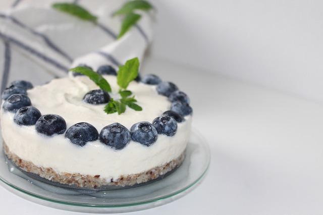 Gâteau au yaourt à la confiture d'ananas, banane et rhum