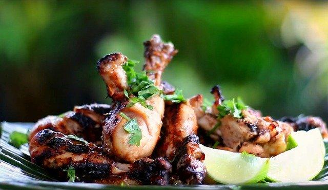 Aiguillettes de poulet au vinaigre à la pulpe de poivron rouge